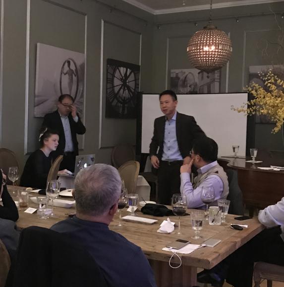 投资人晚宴与硅谷DFJ基金合伙人进行交流